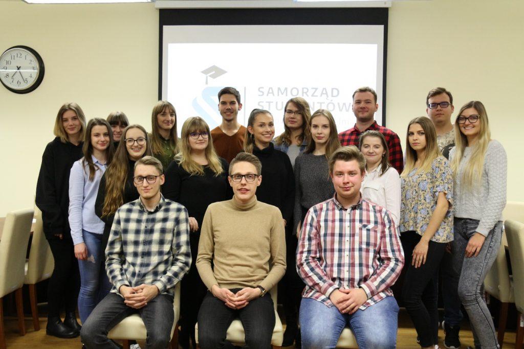 zdjęcie przedstawiające członków samorządu studenckiego