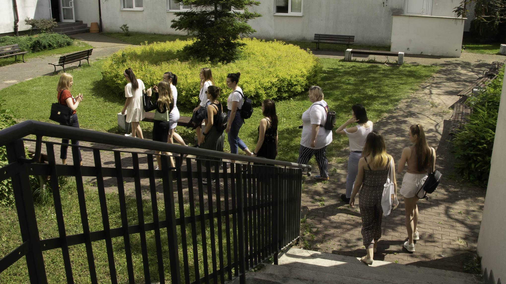 Zdjęcie przedstawiające studentów podczas warsztatów